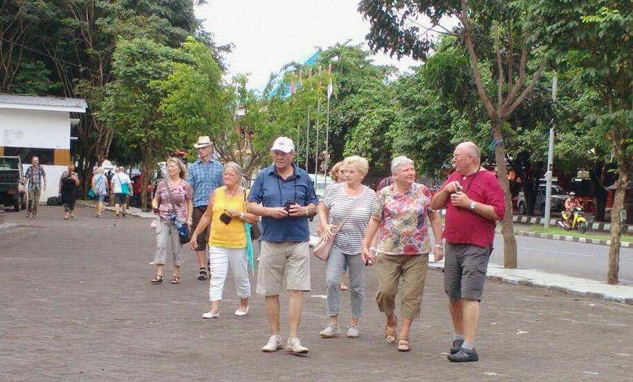 Pusat kota Ternate dihiasi wisatawan