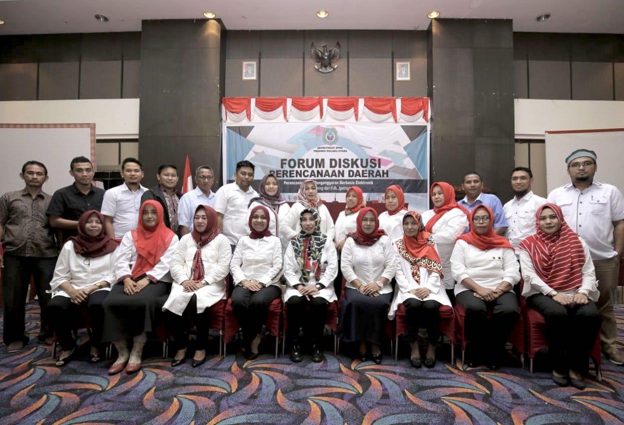 Penyelenggara forum diskusi dari Sekretariat DPRD Malut