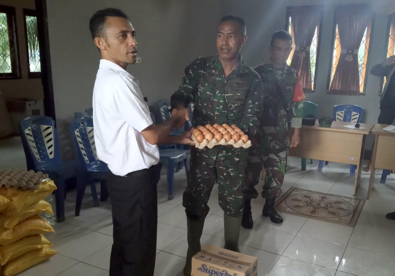 Korban Banjir Morotai Dapat Bantuan Sembako