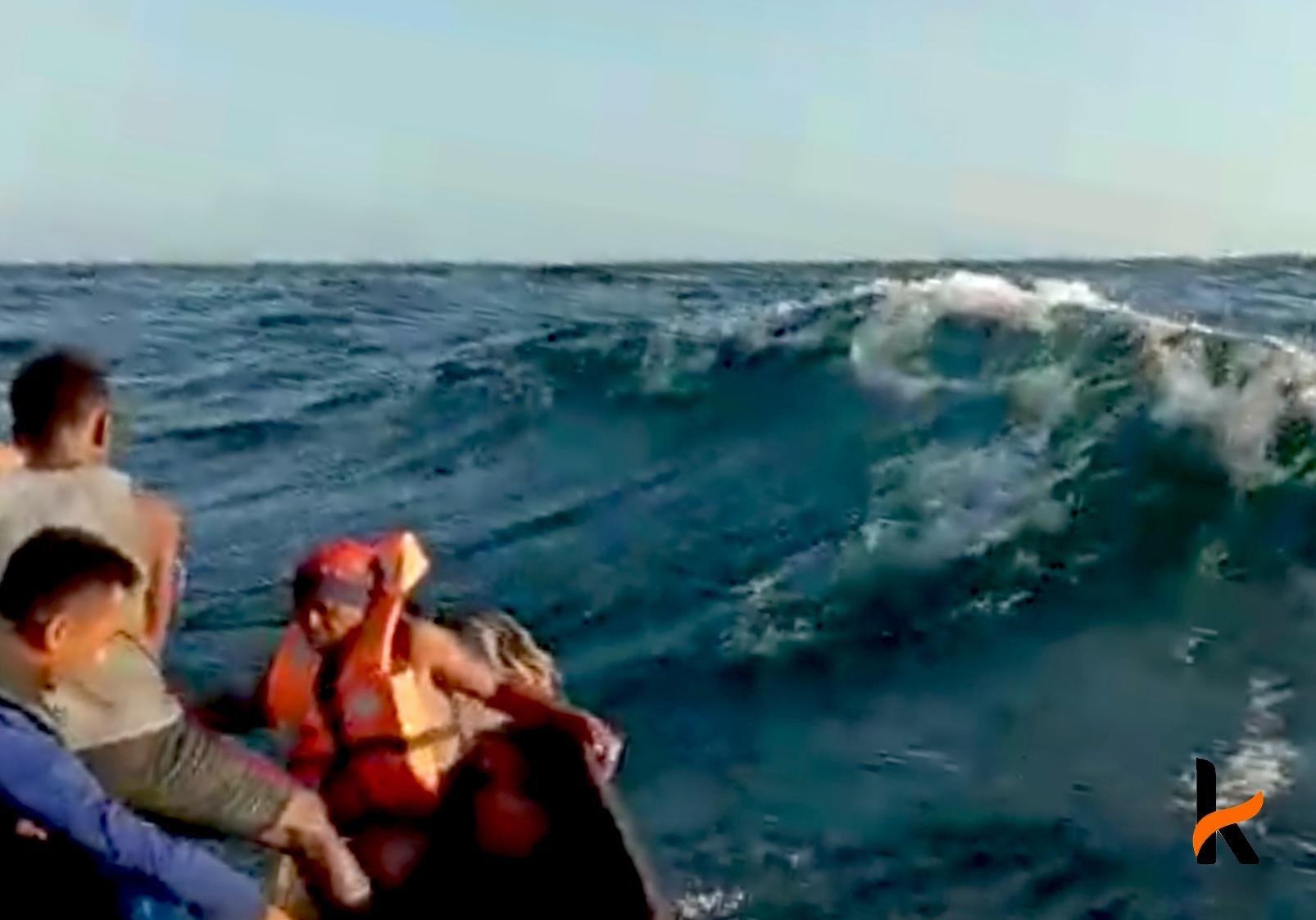 Video Detik-Detik Evakuasi Korban Kapal Tenggelam di Perairan Banggai