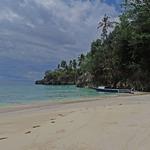Akses Pendidikan di Balik Keindahan Pulau Laigoma Halmahera
