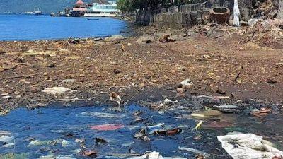 Laut Masih Jadi Tempat Akhir Sampah di Ternate