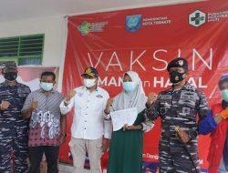 Pangkalan TNI AL Ternate Laksanakan Serbuan Vaksin di Takofi Pulau Moti
